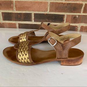 Anthropologie Latigo River leather flat sandals